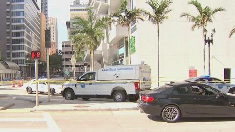 Conductor de Uber dice estar vivo de milagro después de quedar en medio de una balacera en el Downtown