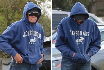 Bruce Jenner oculta su rostro de las cámaras