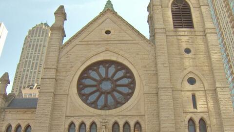 Activistas piden a la Iglesia Católica que retire su participación del llamado negocios de los centros de detención