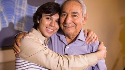 Joao Aguilera, hijo de Juan Gabriel, se encuentra por primera vez con el hermano de su padre