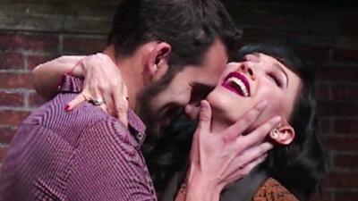 Susana Zabaleta da consejos de sexualidad en el teatro (sin pudor y con látigo incluido)