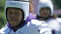 Está vivo de milagro: Novato de los Minnesota Vikings recibió cuatro disparos