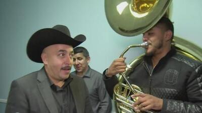 Mira cómo reacciona Lupillo Rivera cuando le hablan de su hermano Gustavo Rivera