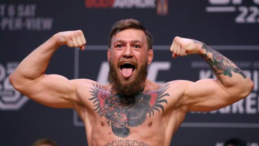 """Dos mujeres denuncian a McGregor por """"daños personales físicos"""""""