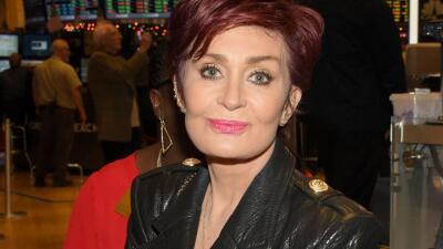 Sharon Osbourne anima a sus hijas a salir con mujeres
