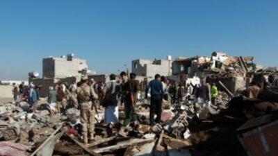 Bombardeos saudíes alcanzan blancos clave en Yemen