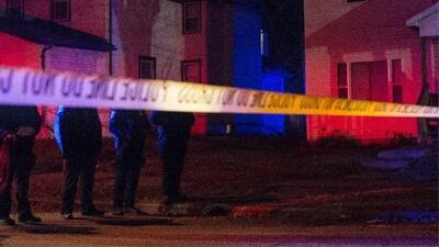 Autoridades buscan a los sospechosos de robar seis vehículos en el área de Belmont Cragin
