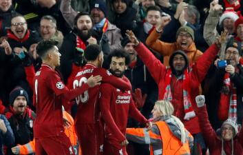 En fotos: Liverpool venció a Napoli y se metió en lo octavos de final de la Champions
