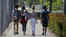 Establecen fecha para el regreso a las aulas de estudiantes de secundaria en la ciudad de Nueva York