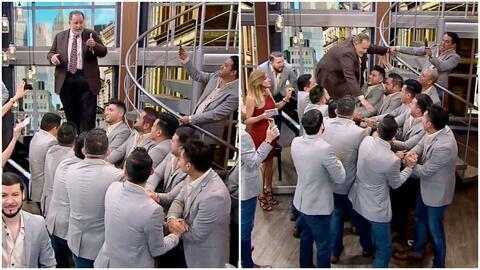 ¡Pura diversión! Raúl de Molina alborotó el set al querer saltar sobre los brazos de los integrantes de La Banda El Recodo