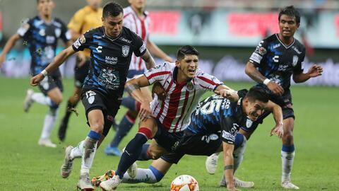 ¡De regreso a la realidad! Chivas sufrió un fuerte golpe contra Pachuca y se alejó de los puestos de liguilla