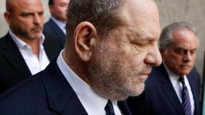 Harvey Weinstein se declara inocente de cargos de violación