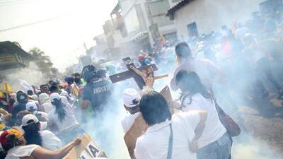 Al menos 2 muertos y 285 heridos por ataques a manifestaciones en la frontera venezolana