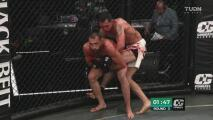 Pablo Saborí golpea fuerte a Salvador Becerra Jr. y lo deja a punto del KO