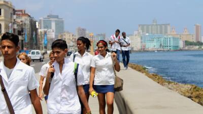 """Conoce a los """"Mikis"""" y las otras tribus urbanas de La Habana"""