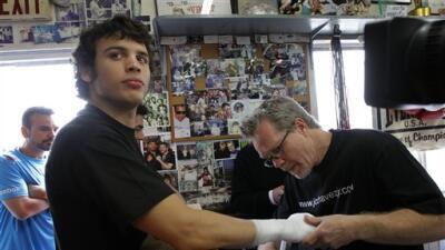 Freddie Roach: 'Chávez Jr. no ha faltado a entrenar'