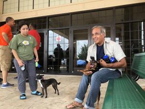 📷Casas amuralladas y evacuaciones: la costa este de Florida se protege ante la inminente amenaza de Dorian