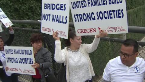 Organizaciones proinmigrantes se tomaron un puente en Houston para exigir alivio migratorio a beneficiarios del TPS