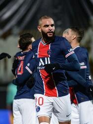 Kurzawa (70') marcó el tanto que le dio la victoria a los visitantes. PSG llegó al liderato momentáneo de la Ligue 1 con 42 unidades. Angers se mantiene con 30 puntos alejado de las competiciones continentales.