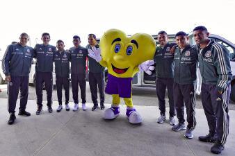 Un Tri solidario: los jugadores de la selección visitaron al Teletón USA en San Antonio