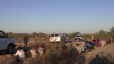 El fin de la separación de familias en la frontera disparó la llegada de grupos en Arizona