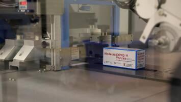 California retira 330,000 dosis de la vacuna contra el coronavirus de Moderna