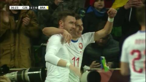 ¡Justicia! República Checa ya lo gana con gol de Pavelka