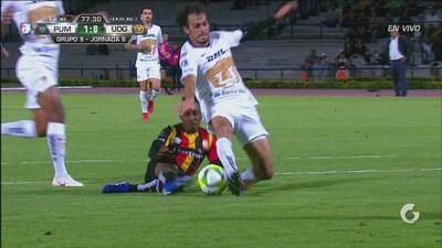 Pumas se salva del empate y se encienden alertas por Alejandro Arribas