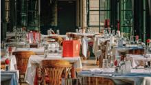 ¿Qué tiene que pasar para que levanten las restricciones a los restaurantes de Chicago el 15 de enero?