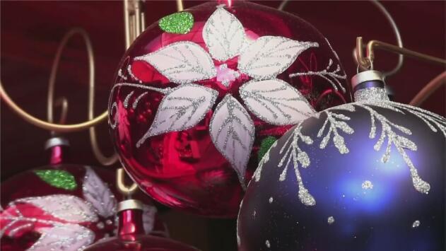 La guerra arancelaria de Trump se siente en un pueblo mexicano donde se elaboran esferas navideñas