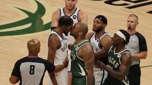 Bucks recortan distancia en la serie ante unos Nets combativos