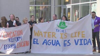 Preocupación entre residentes de Cícero y Berwyn por calidad del agua que llega a sus hogares