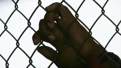 Buscan bloquear la señal de los teléfonos celulares que se filtran en cárceles de República Dominicana
