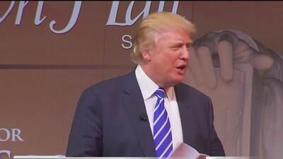 Juez bloquea orden ejecutiva del presidente Trump