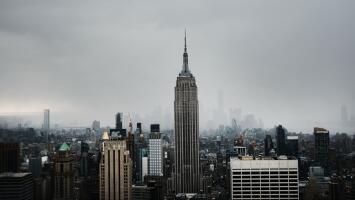 A Nueva York le espera una mañana de viernes con cielos mayormente nublados, según el pronóstico