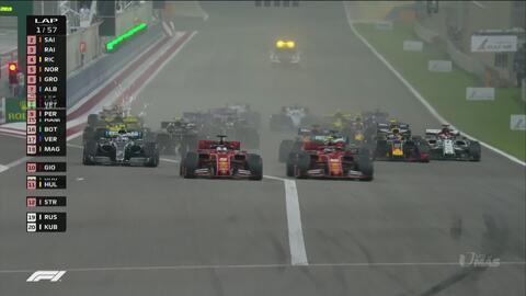 Vettel y Bottas superan a Leclerc en el arranque del GP de Bahréín