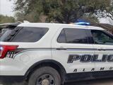 Asesinan a puñaladas a una madre hispana frente a su hijo de 11 años tras salir de la compra en un Waltmart de Texas