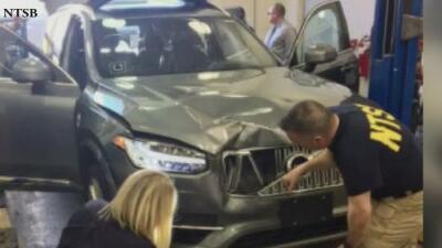 Evalúan la seguridad en el uso de vehículos autónomos tras atropellamiento mortal en Tempe