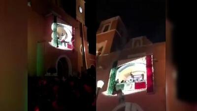 (Video) Se le cayó la bandera de México al alcalde de Hidalgo mientras la estaba ondeando
