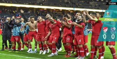 Con sufrimiento, Turquía empató con Islandia y se clasificó