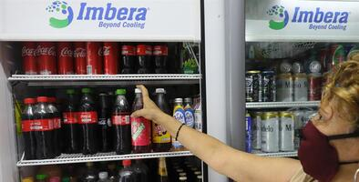 El consumo de bebidas azucaradas causa más de 40,000 muertes al año en México, según el Instituto de Salud