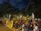 Con cacerolazo en mano pensionados piden la renuncia de José Carrión III