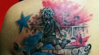 Aficionado se tatúa el gol de Román Torres que clasificó a Panamá a Rusia 2018