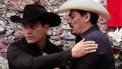 El reencuentro (con abrazo) entre José Manuel y Julián Figueroa para recordar a Joan Sebastian a 4 años de su muerte
