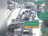 Accidente provoca el cierre de varios carriles en I-45 Freeway en dirección sur