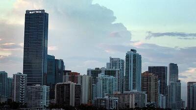 Condiciones semiotoñales y constantes vientos para la tarde de viernes en Miami