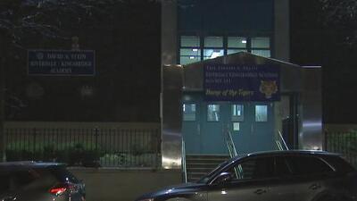 Hallazgo de un arma en una secundaria de Nueva York causa polémica entre padres de familia