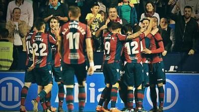 La 'Novela' de La Liga: Levante sorprendió y acabó con el invicto del Barcelona