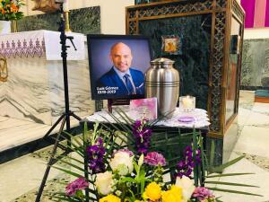 En fotos: Familiares y amigos le dan el último adiós a Luis Gómez