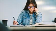 Durante este verano, refuerza tus destrezas para presentar el examen ACT y mejora tu puntaje